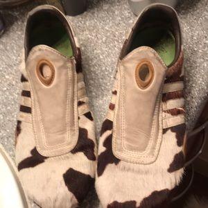 Adidas calfskin tennis shoe